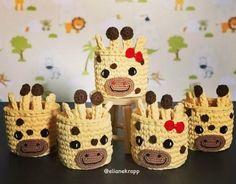 Como Fazer Cesto de Fio de Malha: 31 Estilos com Passo a Passo | Revista Artesanato Crochet Bookmark Pattern, Crochet Case, Crochet Bowl, Crochet Basket Pattern, Knit Basket, Crochet Bookmarks, Crochet Pillow, Cute Crochet, Crochet Crafts