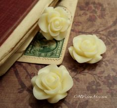 8pcs Matte Ivory  21mm Quality Princess Resin Rose  by CMVision