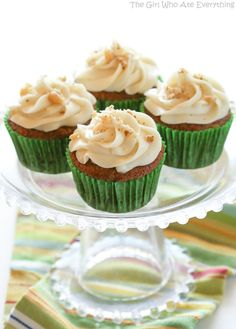 Carrot Cupcakes with White Chocolate Cream Cheese Frosting