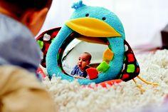 Magie des couleurs, joie de la découverte...les sens en eveil pour bébé..  Mais qui suis-je ?