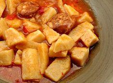 Receta de patatas a la riojana - Crawl Tutorial and Ideas Spanish Kitchen, Spanish Food, Potato Vegetable, Main Menu, Flan, Stew, Sweet Potato, Tapas, Food And Drink