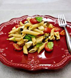 μακαρονοσαλάτα με μελιτζάνες alla Siciliana - Pandespani.com Pasta Salad, Vegan Recipes, Eggplant, Crab Pasta Salad, Vegane Rezepte, Macaroni Salad