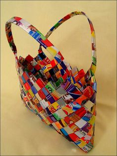 Cute bag made from reused sweet wrappers and crisp packets Sweet Wrappers, Candy Wrappers, Paper Bag Crafts, Paper Craft, How To Make Crisps, Diy Mode, Paper Magic, Paper Design, 3d Design