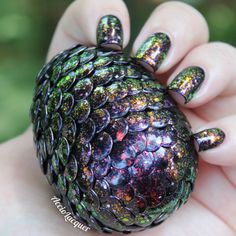She put up the tutorial!  MUST MAKE THESE!!!   Accio Lacquer: What Does One Name An Egg Such As This