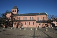 Possible Excursion: Worms, Germany - Worms Travel Guide Worms Germany, Student Living, Beautiful Villas, Study Abroad, The Locals, Travel Guide, Mansions, House Styles, Building