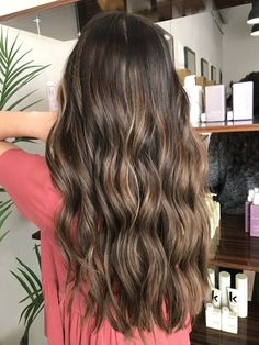 Pin by kilee escobar on hair in Brunette Hair With Highlights, Brown Hair Balayage, Brown Blonde Hair, Balayage Brunette, Hair Color Balayage, Balayage Highlights, Hair Colour, Long Brown Hair, Light Brown Hair