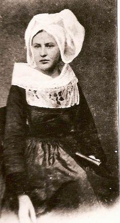Le costume des Femmes de Brasparts (1790-1930)