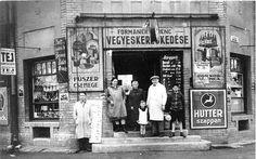 """Wekerlei bolt régen.  """"Formanek Ferenc kispesti üzlete ('30-as évek)""""  Aki tudja, hogy melyik lehet, írja már meg! :) Old Pictures, Old Photos, Vintage Photos, History Photos, Australia Living, Budapest Hungary, Historical Photos, Sicily, Time Travel"""
