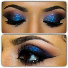 Blue dress eye makeup for small