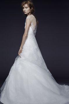 c471b11f2cf27 トレンドのウエディングドレスやおしゃれなカラードレス、和装での結婚式におすすめの白無垢など、センスのいい婚礼スタイルをお探しのプレ花嫁必見。