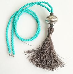 Long Tassel Necklace Turquoise and silver por lizaslittlethings