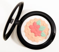 MAC In for a Treat Pearlmatte Face Powder Review, Photos, Swatches
