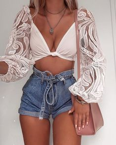 Getting in as many summer outfits as possible before I'm back to chunky jumpers and jeans 🙊 wearing - links will be in… Crop Top Outfits, Mode Outfits, Girly Outfits, Short Outfits, Spring Outfits, Trendy Outfits, Fashion Outfits, Summer Club Outfits, Outfit Summer