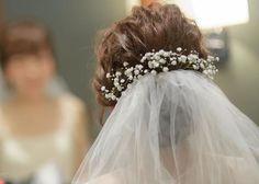 かすみ草で作る挙式ヘアアレンジまとめ Flower Crown Wedding, Wedding Hair Flowers, Wedding Hair And Makeup, Wedding Veils, Flowers In Hair, Bridal Hair, Hair Makeup, Dress Hairstyles, Wedding Hairstyles