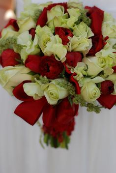 Photo by Holly Chapple Flowers. Beautiful for a Christmas wedding.
