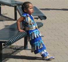 Friendship Pow Wow and American Indian Cultural Celebration in Denver, Colorado Native Child, Native American Children, Native American Beauty, Indian Pow Wow, Native Indian, Native American Regalia, Powwow Regalia, Canadian Culture, Walk In The Spirit