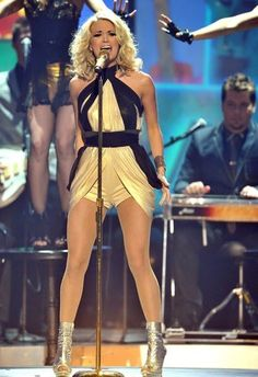 Carrie Underwood Carrie Underwood Hot, Carrie Underwood Pictures, Sara Underwood, Country Singers, Country Music, All American Girl, In Pantyhose, Pantyhose Outfits, Beautiful Celebrities