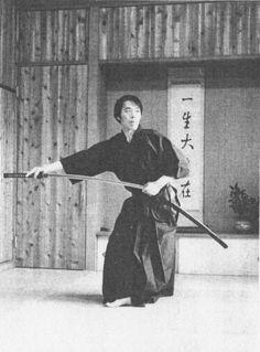 yellow-buds-of-may:  yellow-buds-of-may: Martial Arts Master Yoshinori Kono: http://www.youtube.com/watch?v=rdMz94v01bk