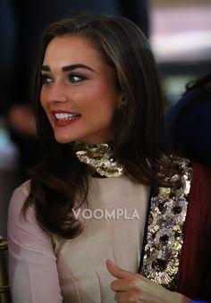 A beautiful closeup shot of Amy Jackson. via Voompla.com