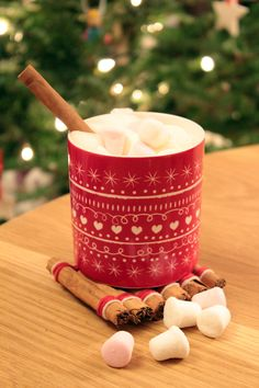 http://diy.allwomenstalk.com/christmas-diy-projects-that-will-have-you-singing-deck-the-halls
