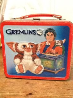 Gremlins metal lunchbox 1984 Warner bros Aladdin Vintage condition some wear on corners No thermos Please ask questions before purchase All sales final Lunch Box Thermos, Vintage Lunch Boxes, Cool Lunch Boxes, Metal Lunch Box, Vintage Tins, Vintage Stuff, School Lunch Box, Whats For Lunch, Oldies But Goodies
