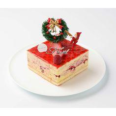 【こちらの商品はアイスケーキです。解凍せずそのままお召し上がりください】フランスを代表するお菓子フレジエをフランボワーズ(木いちご)とバニラアイス、ダックワーズ生地で作りました。シンプルながら定番のアントルメグラッセ。
