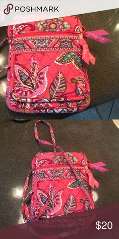 Small over the shoulder bag Great travel purse holds phone small wallet and small items cute for spring/summer!!🎉 Vera Bradley Bags Crossbody Bags