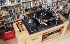 Kuzma Airline turntable with an insane 4-tonearm set up