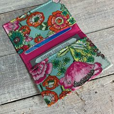VintageFabricFinds shared a new photo on Etsy Business Card Holders, Business Cards, Teal And Pink, Minimalist Wallet, Pocket Cards, Card Wallet, Cotton Fabric, Floral, Cute
