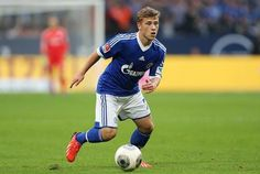 Another of Germany's revolution of young football talent possessing supreme technical ability is Max Meyer. Watching Meyer you immediately notice his elusiveness on the turn and through cutting left and right. He can create space for himself his teammates and also has an eye for the goal. Shalke's young starlet credits his excellent dribbling ability at high speed to playing futsal in addition to football #footyscout #football #soccer #footy #thebeautifulgame #instasoccer #soccerplayer…