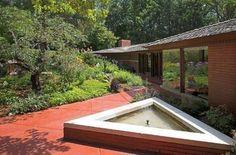 Casas de sonho: Relíquia de Frank Lloyd Wright com vista para um lago (fotos)