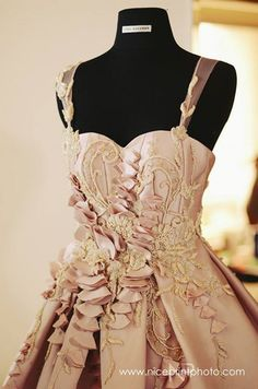 debut ideas This debutante mixed delicate and bold shades to celebrate her debut. Debut Gowns, Debut Ideas, Falling Down, Rabbit Hole, Delicate, Shades, Formal Dresses, Celebrities, Romantic Fashion