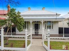 Photo of a corrugated iron house exterior from real Australian home - House Facade photo 1603073