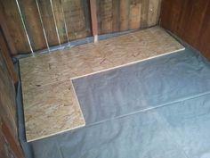 Gartenlaube Fußbodenplatten verlegen