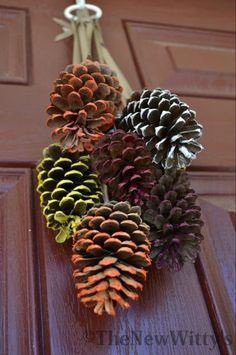 Fall & Thanksgiving decor - If you're looking for the perfect way to let your kids pitch in with the fall decorations, look no further! These painted pinecones will dress your door in fall hues--the perfect substitution for a fall wreath. Autumn Crafts, Holiday Crafts, Diy Thanksgiving Crafts, Holiday Decor, Painted Pinecones, Diy Wreath, Pine Cone Wreath, Apple Wreath, Burlap Wreath