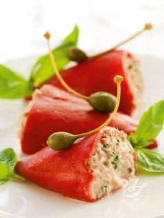Peppers stuffed with tuna and capers - Peperoncini ripieni di tonno e capperi Veg Recipes, Organic Recipes, Easy Healthy Recipes, Cooking Recipes, Antipasto, Tuna Stuffed Peppers, Fourth Of July Food, Finger Food Appetizers, Eating Organic