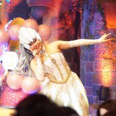 結構前の写真からいい表情のまにょさんを見つけました  多分この時は次女だったんだと思う    #廣瀬愛 さん #ピューロアンバサダー  #闇の女王 #miraclegiftparade #ミラクルギフトパレード #puroland #ピューロランド #ピューロランドダンサー  #ピューロダンサー   #kawaii #sony  #sonyalpha #sonya6000  #sal85f28 #puro25th  撮影:2016.04.03 Instagram Posts