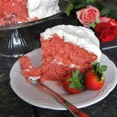 Strawberry Cake from Scratch Recipe. This is the recipe I use every year for Morgan's birthday cake. This year, I used fresh strawberry puree (I put fresh strawberries and a bit of sugar in the food processor) instead of frozen strawberries. So yummy! Strawberry Cake From Scratch, Strawberry Cake Recipes, Strawberry Puree, Strawberry Jelly, Best Homemade Strawberry Cake Recipe, Strawberry Fields, Köstliche Desserts, Delicious Desserts, Dessert Recipes