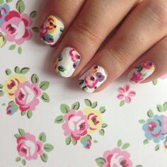 Cath Kidston White Floral Print - Nail Art Design!