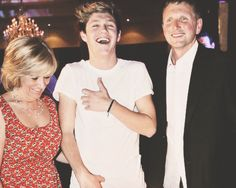 Niall Horan with his parents