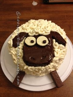 Coolest Shaun the Sheep Birthday Cake... This website is the Pinterest of birthday cake ideas