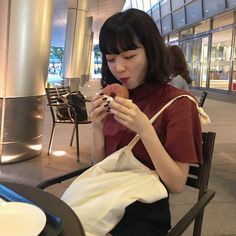 Ulzzang Korea, Ulzzang Girl, Korean Girl, Asian Girl, Love Sick, Aesthetic People, Japanese Girl, Beautiful Boys, Pretty Woman