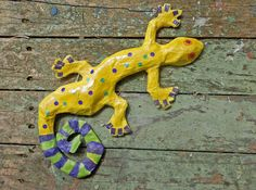 Papier Mache collage lizard/gecko from Workshop for 6-8 year olds with Anita Russell at www.driftwood-dreams.co.uk