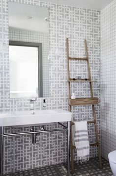 dustjacketattic: mosaic tile bathroom