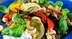 Quinoasallad med ugnsrostade grönsaker, cashew och örtsås - Min träning | SATS