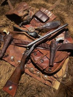 Feast Your Eyes on These Drool-Worthy Vintage Shotgun Ads and Photos Weapons Guns, Guns And Ammo, Alter Krieger, Cowboy Action Shooting, Cowboy Gear, Firearms, Shotguns, Revolvers, The Lone Ranger