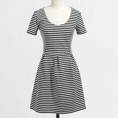 HP Sale J Crew Fit and Flared Dress Very cute B&W scoop neck dress from J Crew Factory. Falls just above the knee. Perfect condition. Price is firm ❌trades ❌PayPal J. Crew Dresses