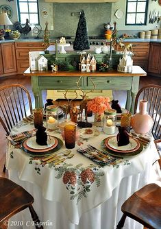 The Little Round Table: Pine Cones And Pink For Christmas