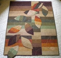 This is a great version of the Cherry Roll Vine quilt pattern made from a Cherry Roll (precut strips). You can find the original quilt at:  http://cherrywoodfabrics.co...