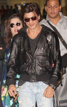 Shah Rukh Khan at the Mumbai airport. #Bollywood #Fashion #Style #Handsome